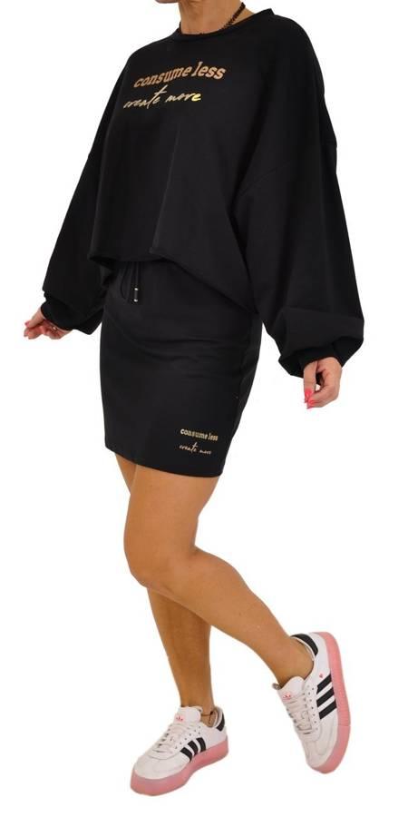 Bluza czarna krótka z napisem