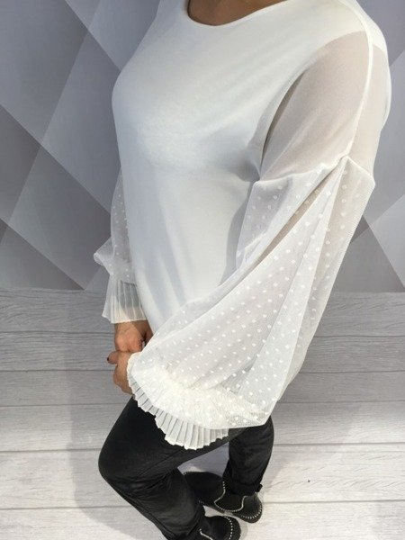 Bluzka biała z koronkowym rękawem