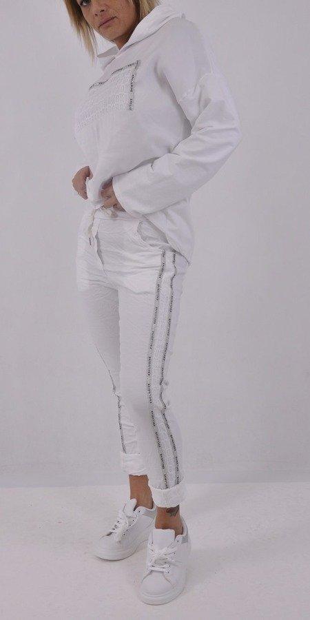Spodnie białe elastyczne srebrne lampasy