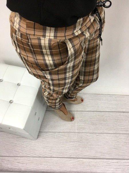 Spodnie brązowe w kratkę