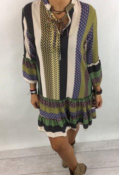 Sukienka wzór stójka