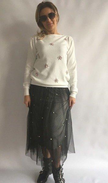 Sweter biały w kwiatki