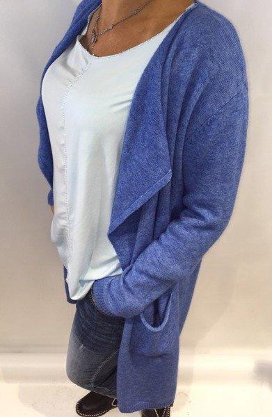 Sweter długi niebieski.