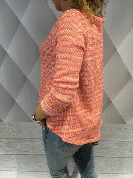 Sweter morelowy z łańcuszkiem