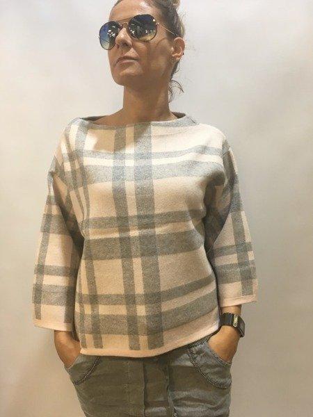 Sweter  różowy w kratę