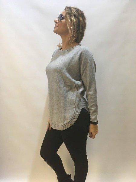 Sweter szary dół półokrągły