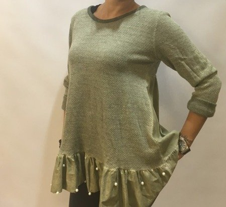 Sweter zielony ze srebną nitką.